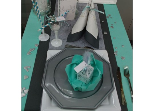 nappe intiss aqua d coration de table. Black Bedroom Furniture Sets. Home Design Ideas